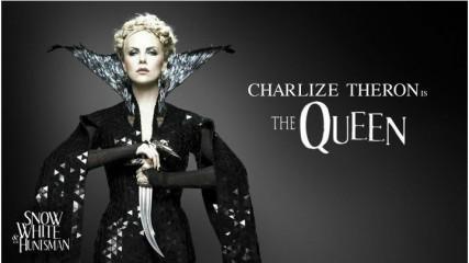 Charlize Theron en méchante reine (Blanche-Neige et le Chasseur)