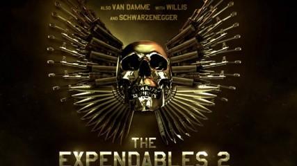 Affiche officielle The Expendables 2 : Envoi de pâté détecté.