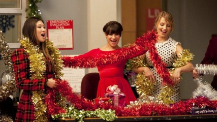 glee-all-i-want-for-christmas-is-you-and-do-they-know-it-s-christmas
