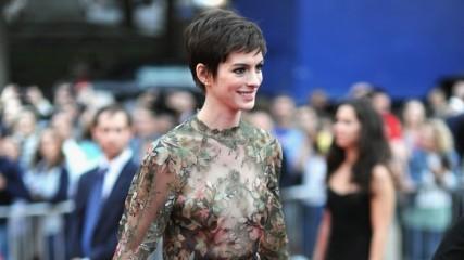 Anne Hathaway sera la star d'une comédie romantique intitulée The Low Self-Esteem of Lizzie Gillespie