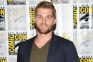 Mike-Vogel-under the dome