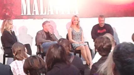 Malavita : De Niro aimerait retravailler avec Pfeiffer et Besson - une