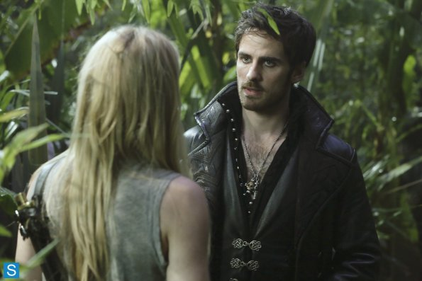 once upon a time dark hollow hook and emma Once upon a time star jennifer morrison dishes on the possibility of a future emma swan/hook romance.