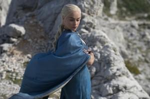 game-of-thrones-saison-4-emilia-clarke-Khaleesi dos 15 nouvelles images