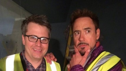 avengers-age-of-ultron-photo-de-robert-downey-jr-en-coulisses-une