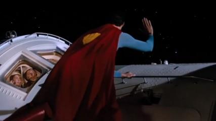 Gravity : Scène alternative avec Superman - Une