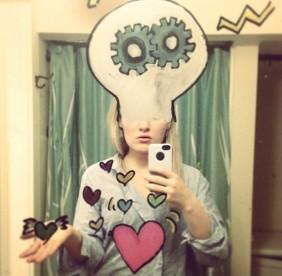 Selfies geeks devant le miroir brain damaged for Derniere volonte devant le miroir