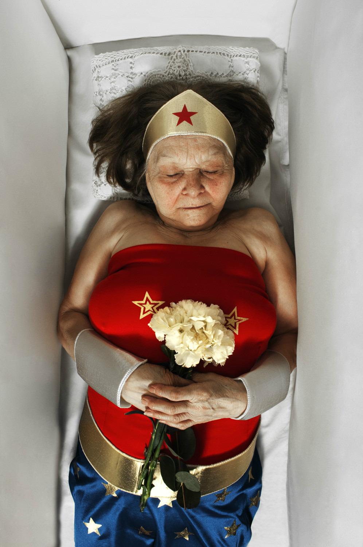 La Mort Des Heros R I P Superman Wonder Woman Blanche Neige