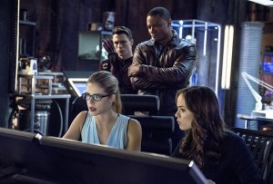 arrow-saison-3-retour-sur-le-cross-over-et-promo-final-dhiver-spoilers-arrow-flash