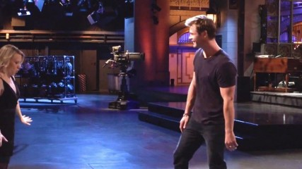 chris-hemsworth-thor-fait-une-tentative-de-porte-dirty-dancing-une