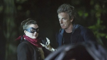 Maisie Williams doctor Who vengeuse masquée