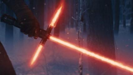 star-wars-7-masques-et-sabres-laser-interdits-dans-les-salles-une