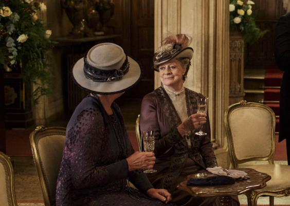 downton-abbey-noel-2015-un-episode-ultime-heureux-bilan-spoiler-lady-violet-isobel