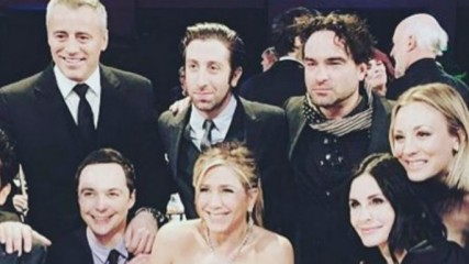 friends-et-the-big-bang-theory-lepic-selfie-des-acteurs-une