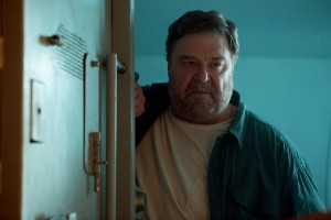 10-cloverfield-lane-critique-john-goodman