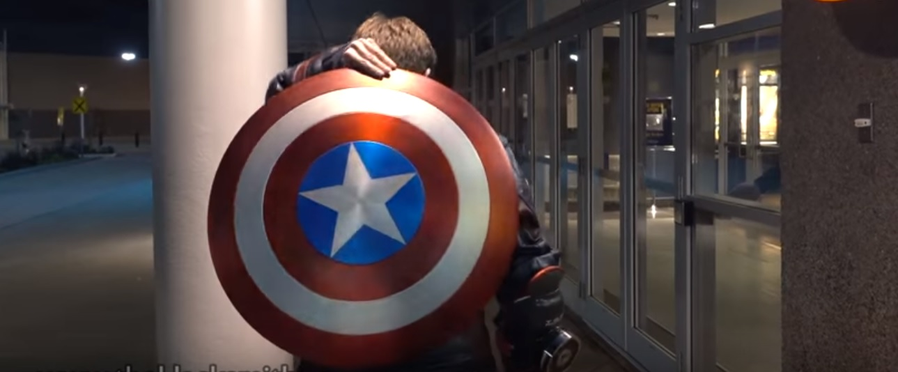 Captain america un fan recr e le bouclier de steve - Bouclier capitaine america ...