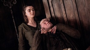 Game-of-Thrones-saison-7-Arya en solitaire-Walder-Frey