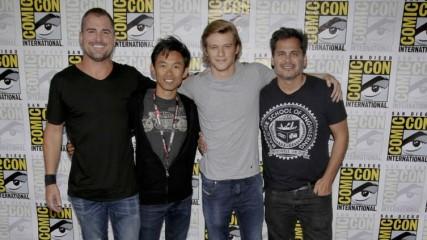 MacGyver le cast du reboot veut Richard Dean Anderson UNE