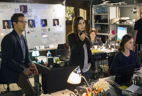 unreal-saison-2-critique-finale-shiri-appleby-michael-rady