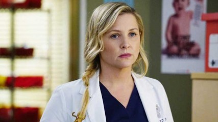 Arizona-sera-absente-de-la-saison-13-de-GRey's-Anatomy