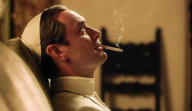 the-young-pope-jude-law-en-pape-megalo-et-radical-2