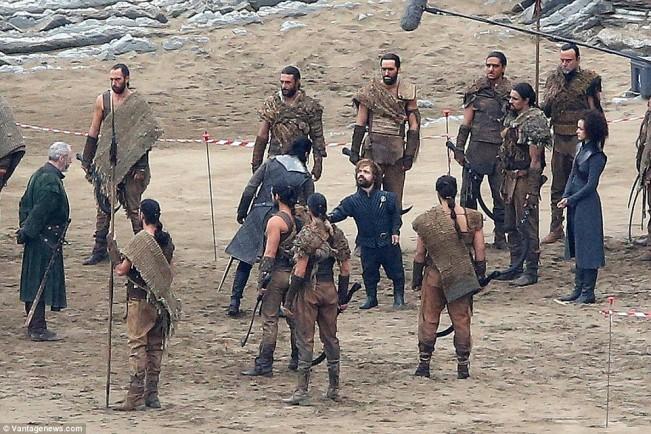 tyrion et Jon Snow se rencontre dans la saison 7 de Game of Thrones