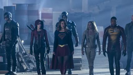 supergirl-flash-arrow-legends-nouvelles-images-crossover-une