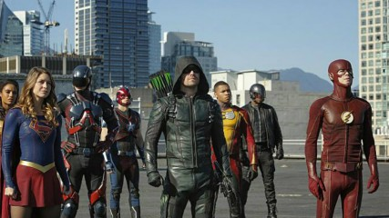 supergirl-flash-arrow-legends-promo-etendue-epique-du-crossover-une