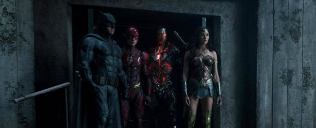 justice-league-nouvelle-photo-avec-les-super-heros-maj-une