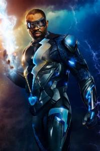 black-lightning-le-costume-du-heros-revele