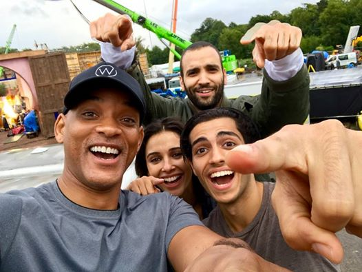 aladdin-will-smith-tournage-cast-selfie