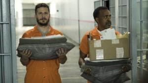 brooklyn-nine-nine-saison-5-jake-et-rosa-survivent-en-prison-critique-1
