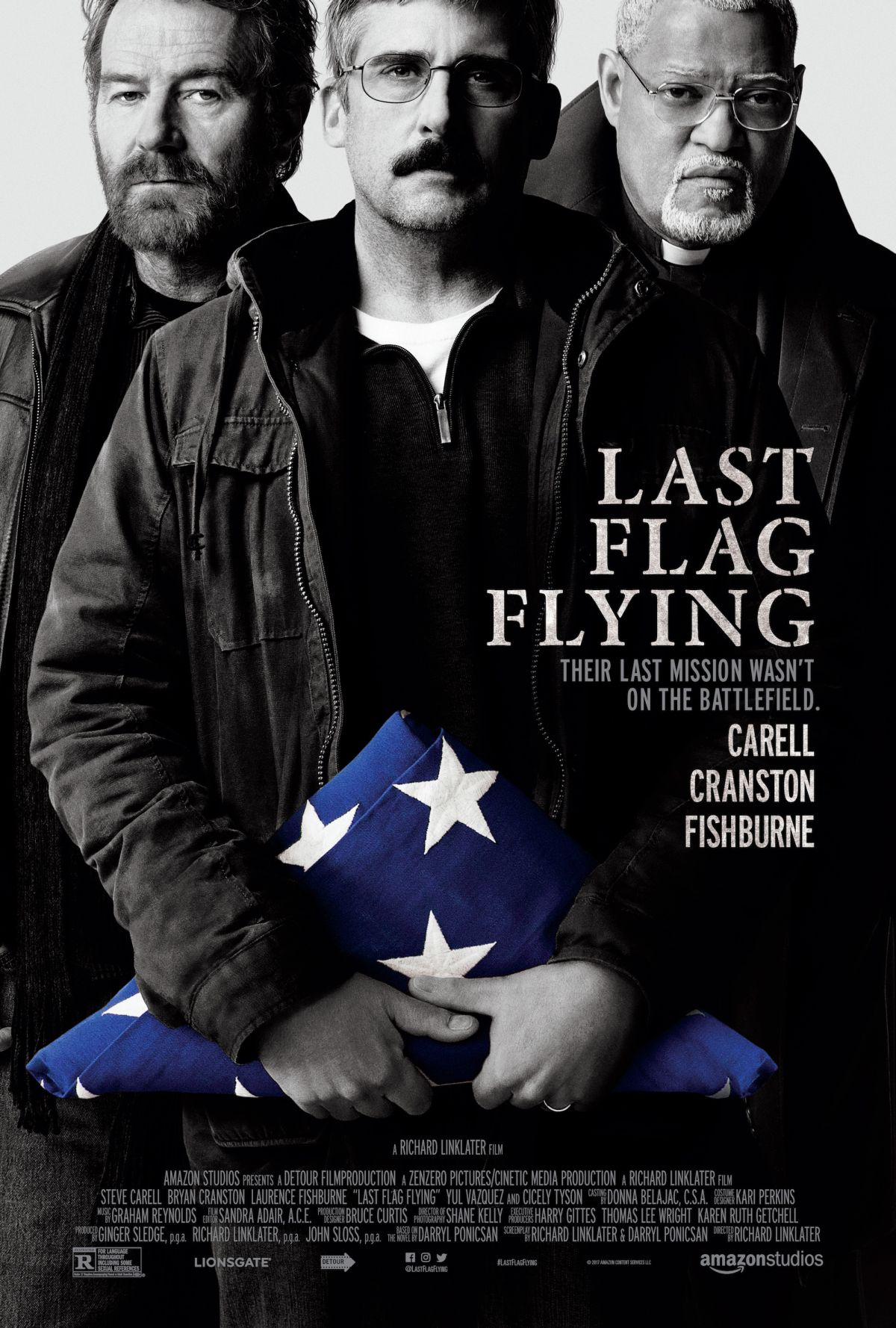 last-flag-flying-steve-carell-bryan-cranston-et-lawrence-fishburn-en-affiche