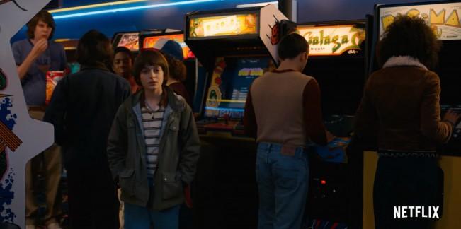 Stranger-Things-saison-2-image-4-critique-5-premiers-épisode-TROP-BIEN arcade