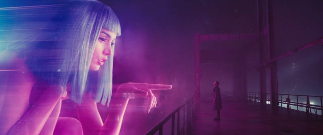 blade-runner-2049-photo-ryan-gosling-joi