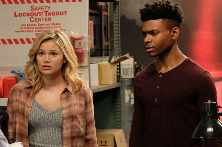 cloak and dagger saison 1 tr s bonne saison pour la s rie marvel brain damaged. Black Bedroom Furniture Sets. Home Design Ideas